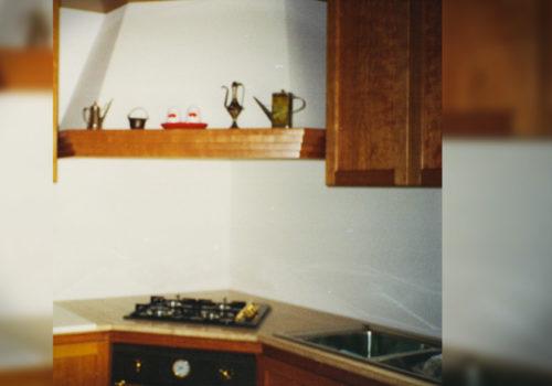 Cucina angolare in ciliegio massello