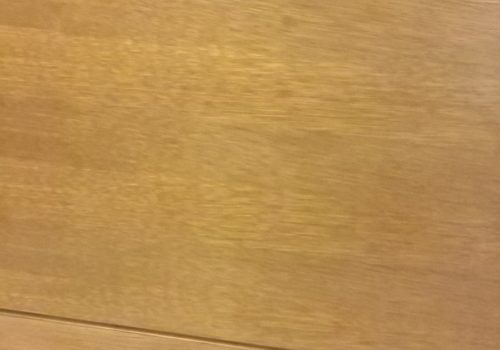 Pareti in rovere colore miele per rivestimento pareti ufficio con bassifondi