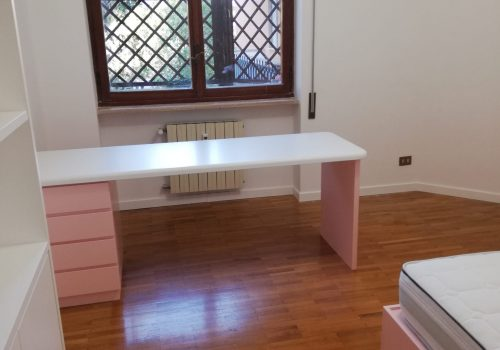 Camera per bambina laccata bianco e rosa opaco